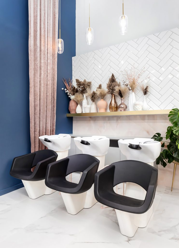 her-studios-pink-white-blue-shampoo-area